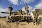 Israel has decided to call up 16,000 extra reservists to bolster its military as the conflict in Gaza continues