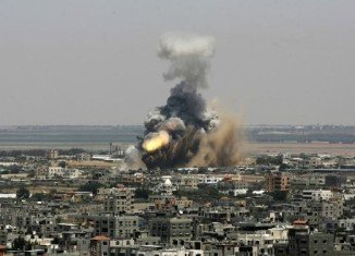 Israel has restarted air strikes on Hamas-controlled Gaza, after its brief truce was met with continuing rocket fire