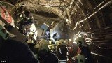 Two Moscow metro workers have been arrested for safety breaches after a train derailed, killing 21 people