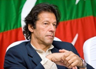 Imran Khan has called for Pakistan's PM Nawaz Sharif to step down, alleging vote rigging in the 2013 election that he won by a landslide