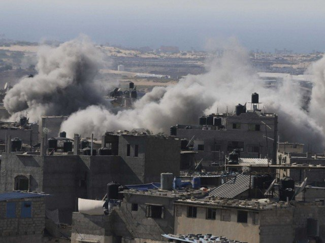 Israel and Gaza officials have agreed to extend a ceasefire by five days, minutes before the expiry of a three-day truce