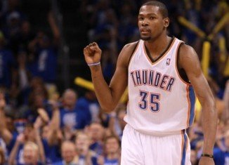 Kevin Durant has announced he withdraws from the US national team and will not be playing in the 2014 basketball World Cup