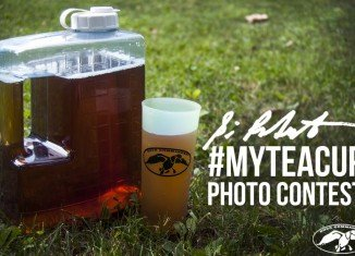Si Robertson has launched his Tea Cup Photo Contest
