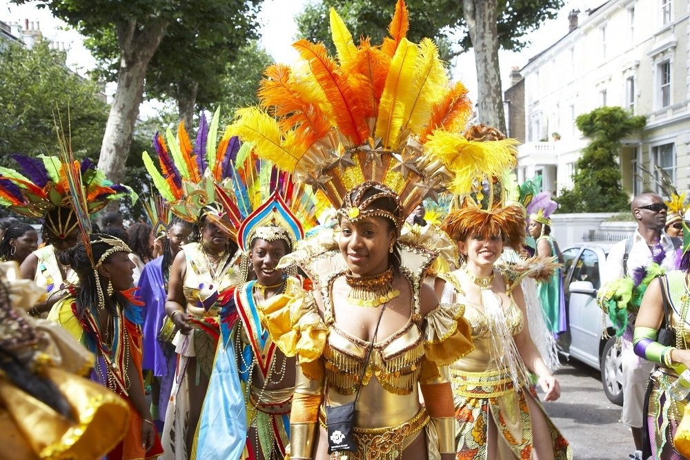 Notting Hill carnival 2014 ends with violent clashes ...