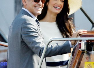 George Clooney and Amal Alamuddin's marriage has been sealed with a civil ceremony in Venice