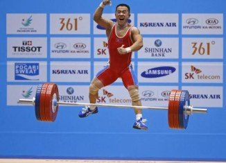 North Korean weightlifter Om Yun Chol has set a clean and jerk world record after lifting 170 kg in the men's 56-kg class at this year's Asian Games