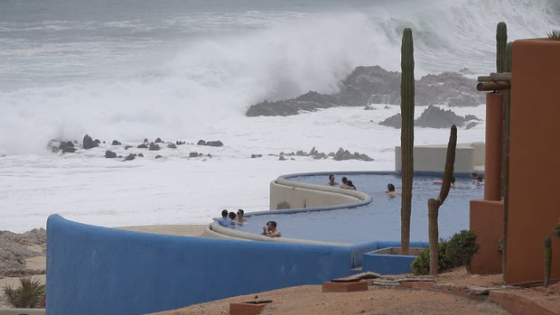 The Mexican authorities have declared a maximum alert for Baja California as Hurricane Odile will hit the region in the coming hours