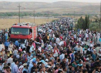 Turkey has decided to close some of its border crossings with Syria after about 130,000 Kurdish refugees entered the country over the weekend