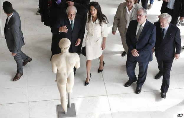 Amal Clooney has had talks with Greek PM Antonis Samaras as part of a campaign to return the Parthenon sculptures from Britain