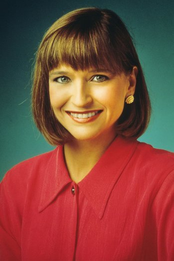 Jan Hooks was born and grew up in Georgia and began her comedy career in the Los Angeles-based troupe The Groundlings
