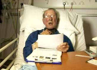 John Cantlie's father, Paul Cantlie, has appealed for the British hostage release from his hospital bed