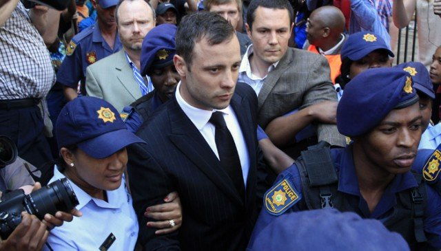 Oscar Pistorius offered a lump sum of $34,000 to the parents of Reeva Steenkamp after he killed her