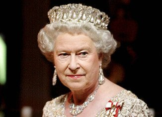 Queen Elizabeth II is reportedly having health problems as she shows early stages of Alzheimer's disease