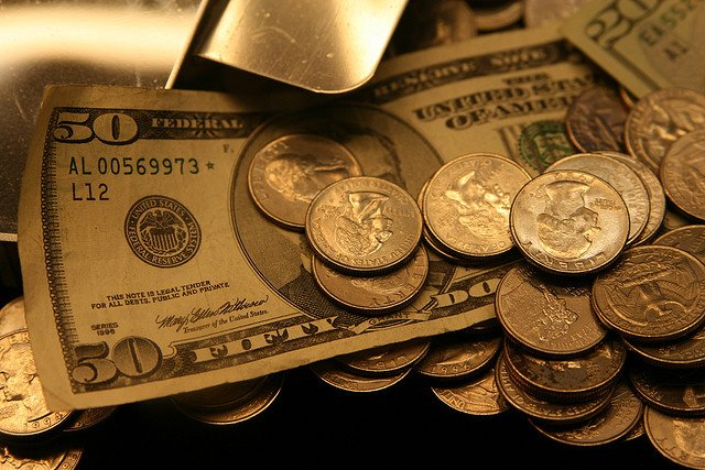 The US economy grew at an annual rate of 3.5 percent in Q3 2014
