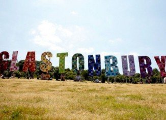 The pre-sale tickets for Glastonbury 2015 have sold out in just 14 minutes