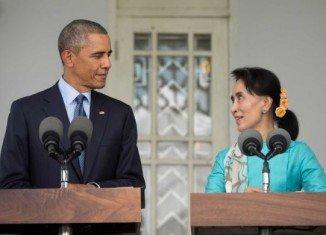 President Barack Obama has met Myanmar opposition leader Aung San Suu Kyi in Yangon