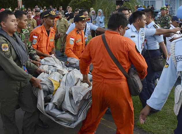 AirAsia bodies arrive in Surabaya