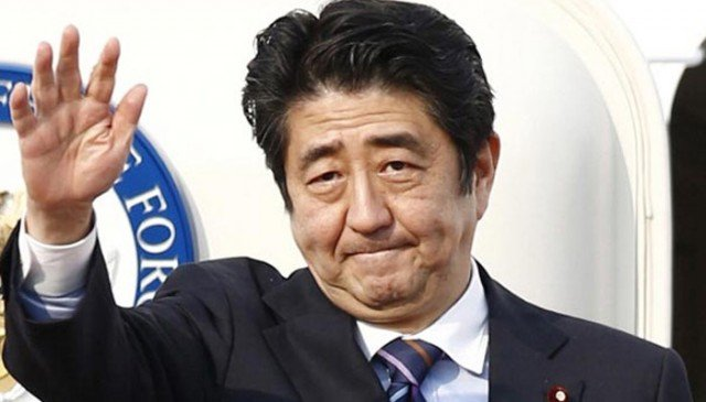 Shinzo Abe wins snap elections 2014