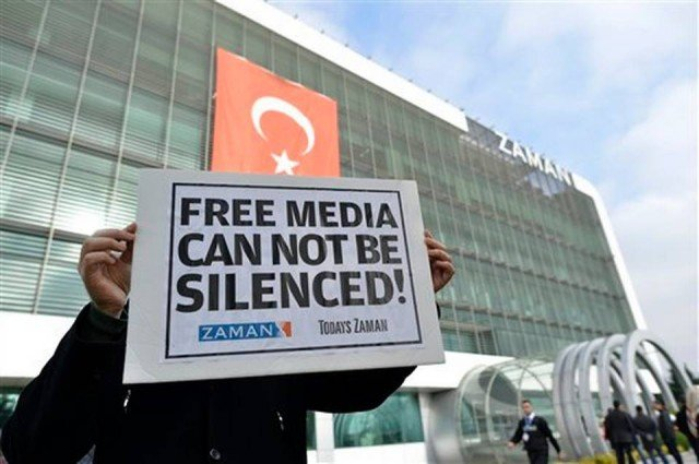 Turkey media raids