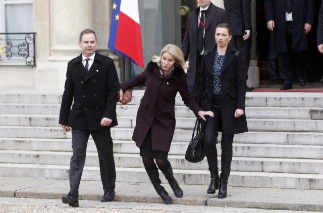 Danish PM Helle Thorning-Schmidt falls in Paris