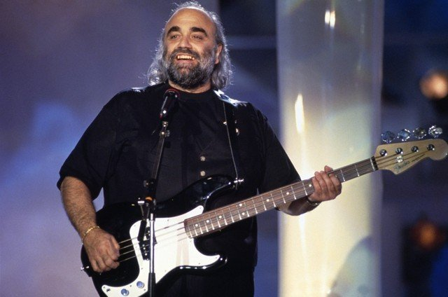 Demis Roussos trying to break America