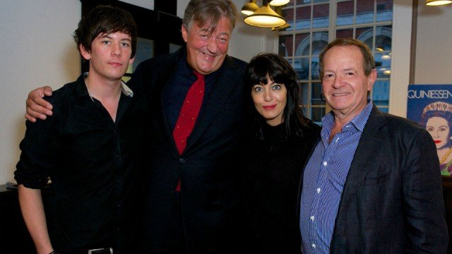 Stephen Fry to marry Elliott Spencer