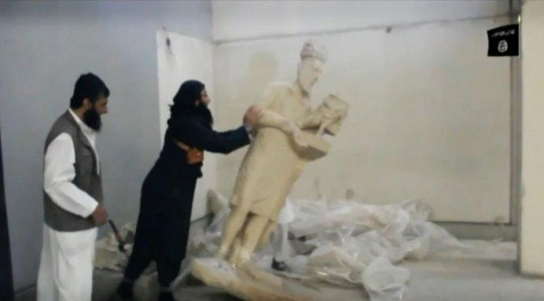 ISIS destroys artefacts at Mosul museum
