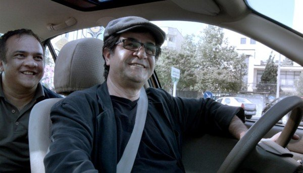 Jafar Panahi's Taxi wins Golden Bear at Berlin Film Festival 2015