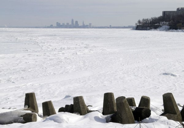 Lake Erie frozen 2015