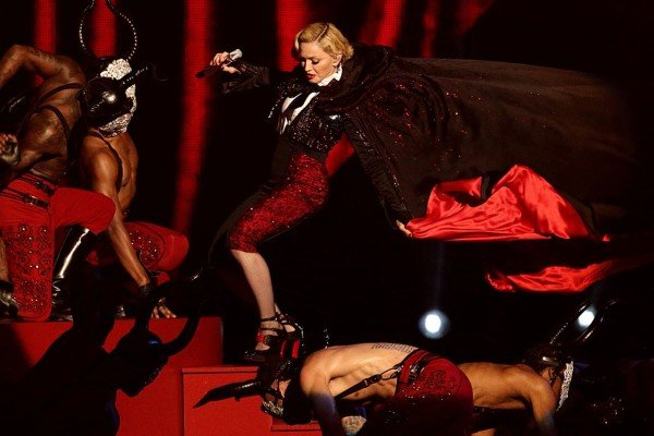 Madonna falls BRIT Awards 2015