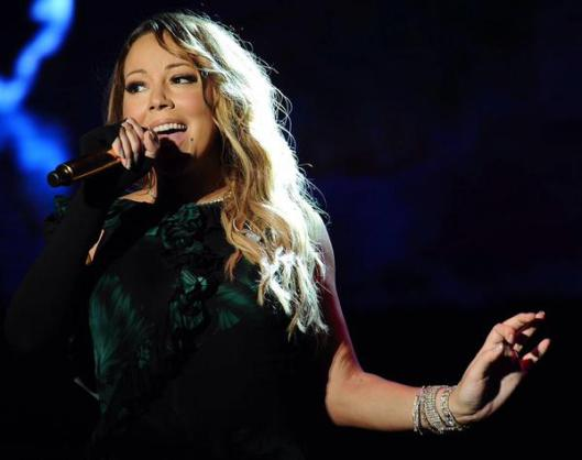 Mariah Carey lip synching Jamaica Jazz and Blues Festival 2015