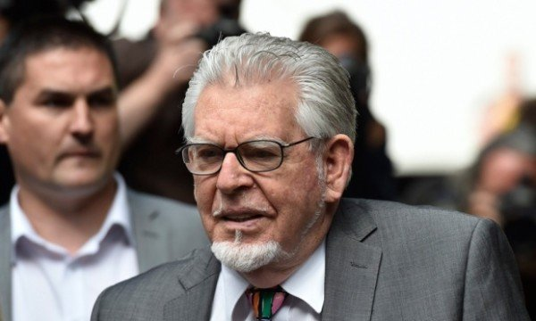 Rolf Harris stripped of Australian honors