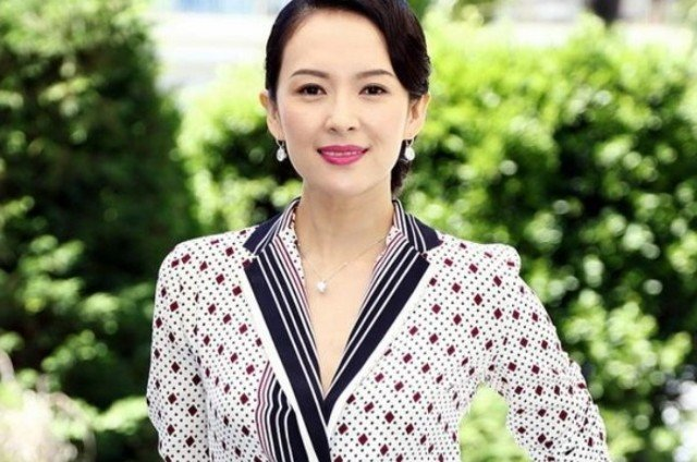 Zhang Ziyi receives marriage proposal from Wang Feng via drone