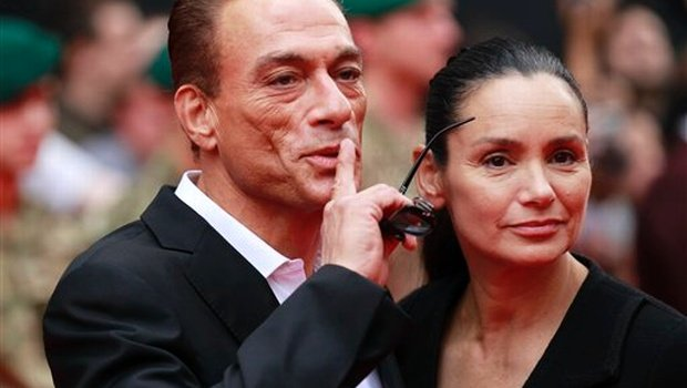 Gladys portugues files for orce from jean claude van damme