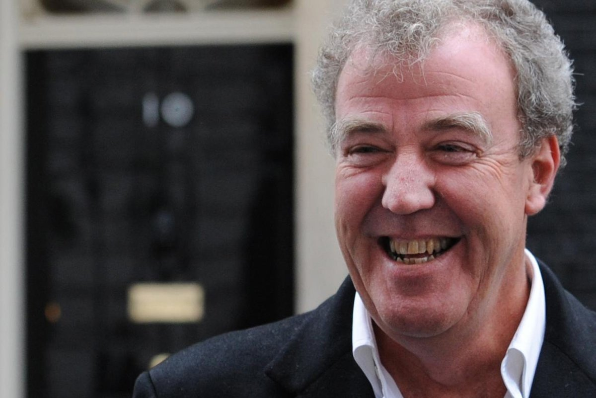 top gear controversies caused by jeremy clarkson. Black Bedroom Furniture Sets. Home Design Ideas