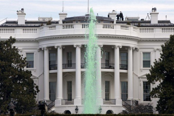 White House fountain dyed green St Patrick Day's 2015