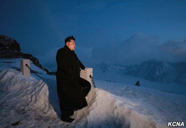 Kim Jong-un climbs Mount Paektu