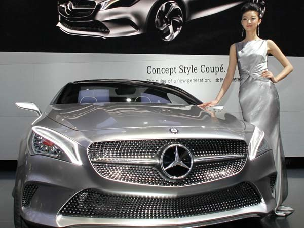 Mercedes Benz fined in China