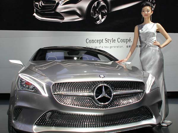 mercedes benz fined 56 million for china price fixing. Black Bedroom Furniture Sets. Home Design Ideas
