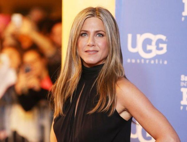 Jennifer Aniston to publish cookbook