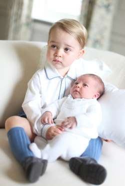 Princess Charlotte and Prince George photo 2015