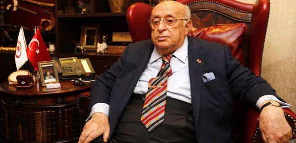 Suleyman Demirel dead at 90