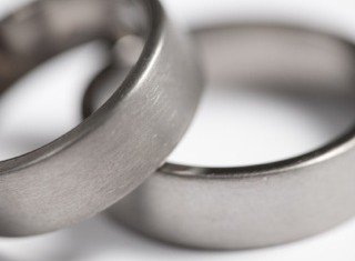 titanium-wedding-bands