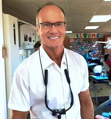 Doctor Walter Palmer kills Cecil the lion