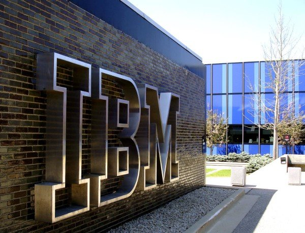 IBM revenue falls July 2015