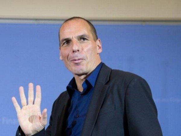 Yanis Varoufakis resigns