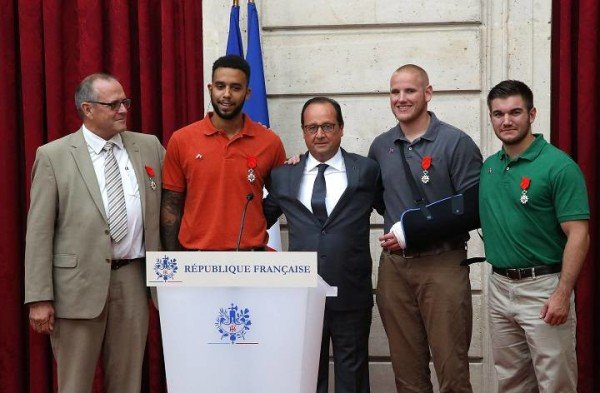 French train attack heroes decorated by Francois Hollande