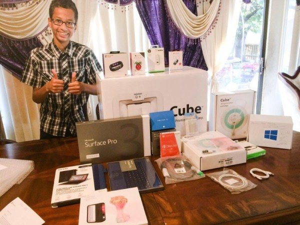 Ahmed Mohamed withdraws from high school