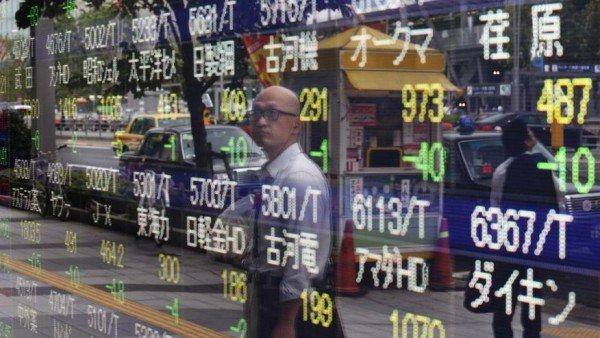 Asian markets react to China economic data 2015