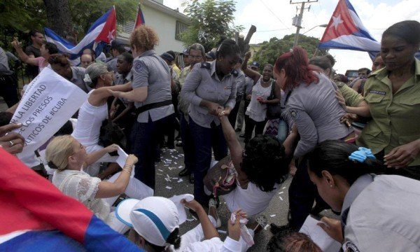 Cuba Ladies in White activists arrested 2015